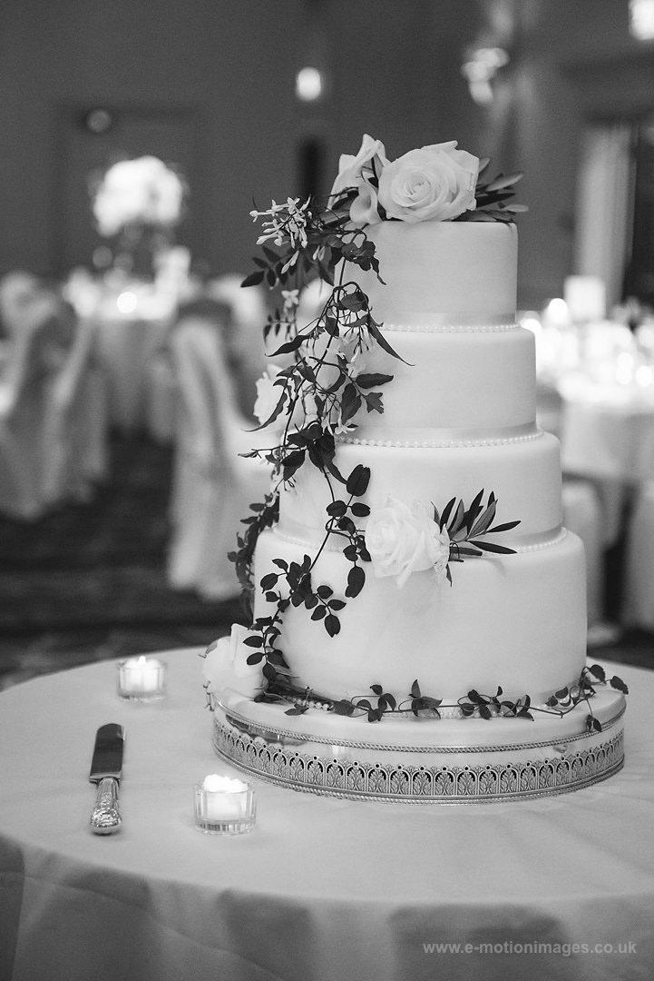 Karen_and_Nick_wedding_340_B&W_web_res.JPG