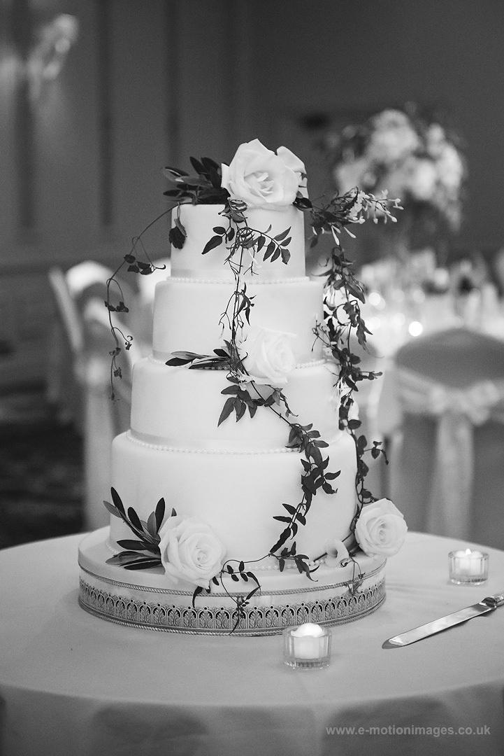 Karen_and_Nick_wedding_341_B&W_web_res.JPG
