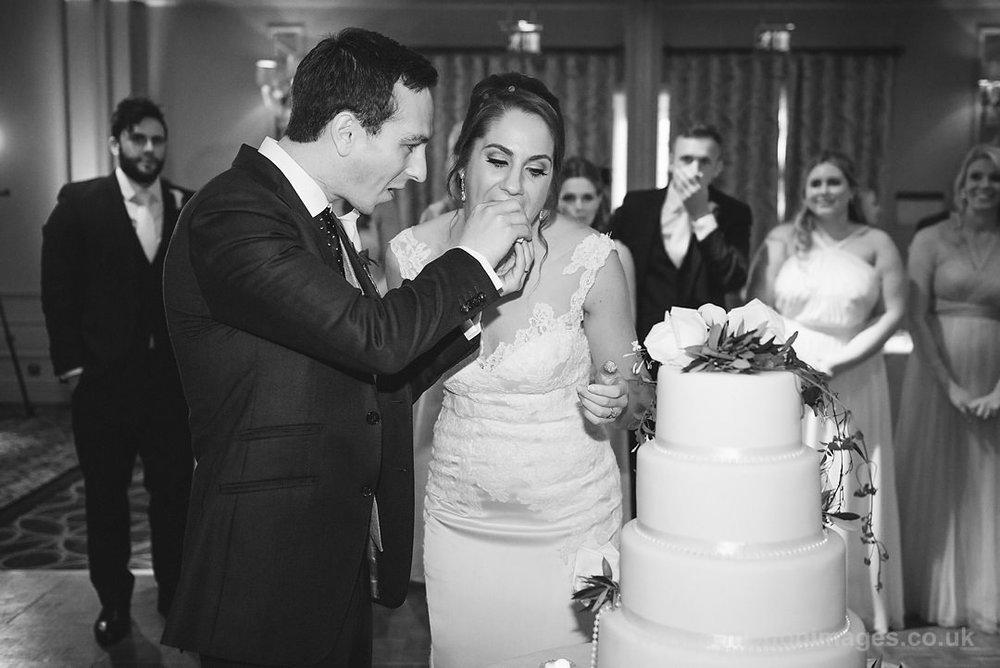 Karen_and_Nick_wedding_367_B&W_web_res.JPG