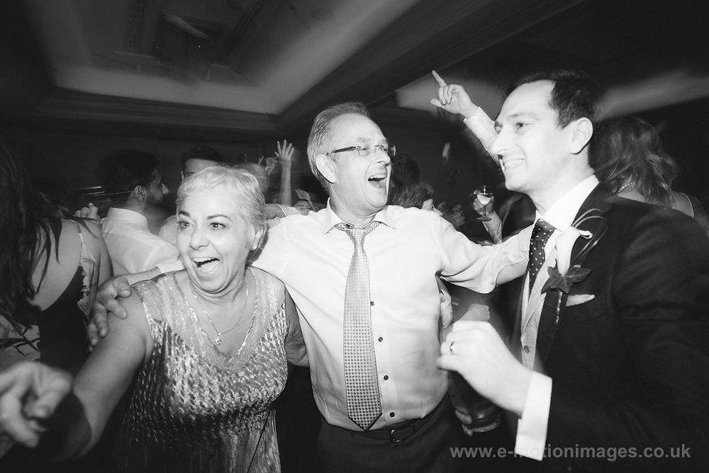Karen_and_Nick_wedding_544_B&W_web_res.JPG