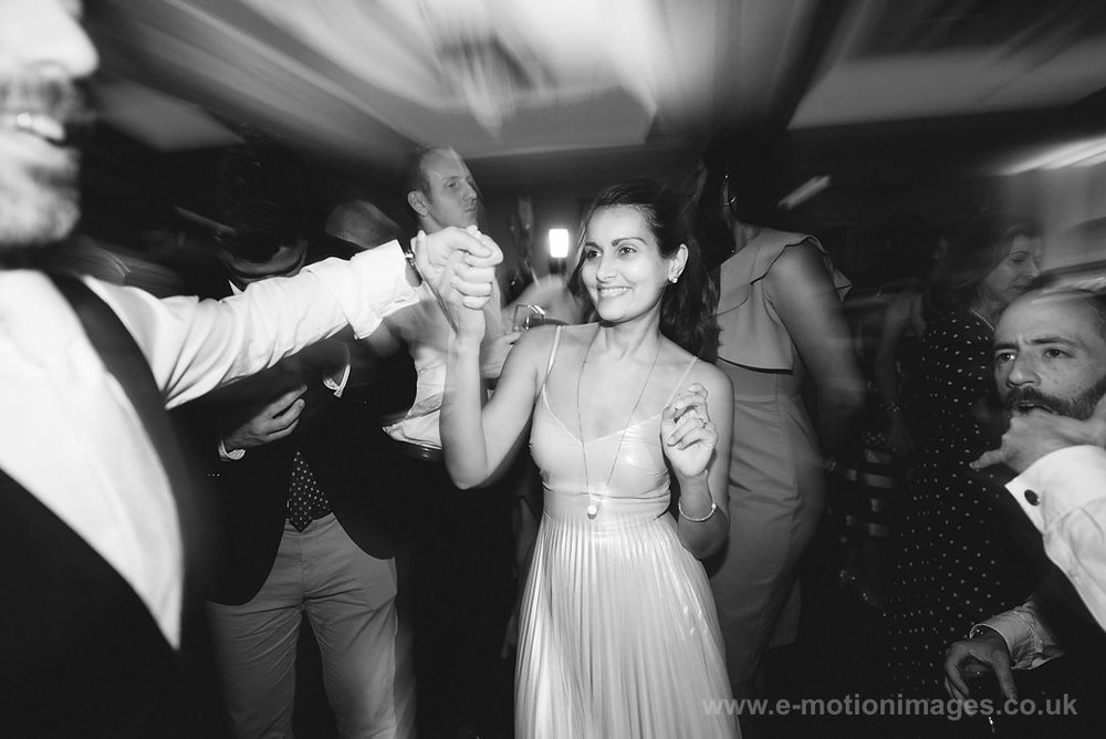 Karen_and_Nick_wedding_556_B&W_web_res.JPG