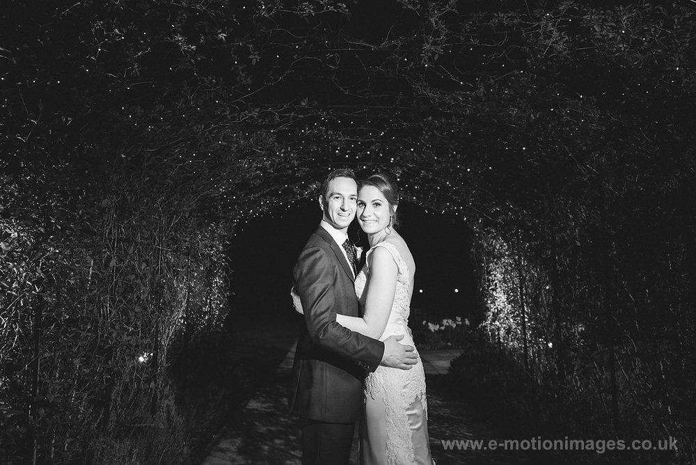 Karen_and_Nick_wedding_615_B&W_web_res.JPG