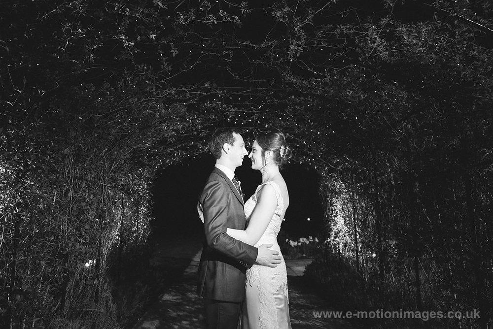 Karen_and_Nick_wedding_616_B&W_web_res.JPG
