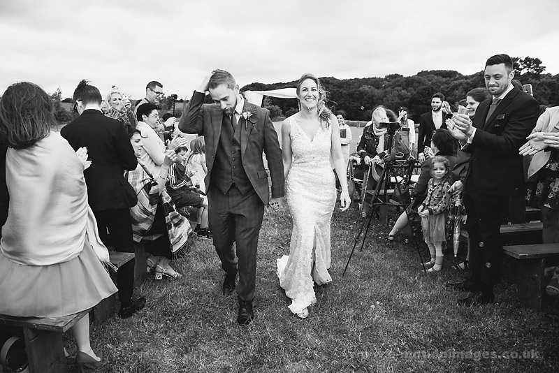 Sarah_and_Matt_160618_270B&W_web_res.JPG