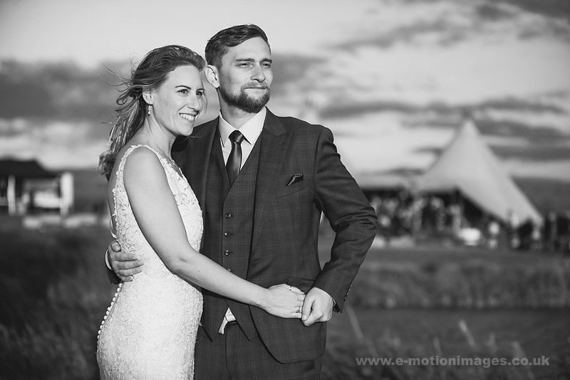 Sarah_and_Matt_160618_378B&W_web_res.JPG