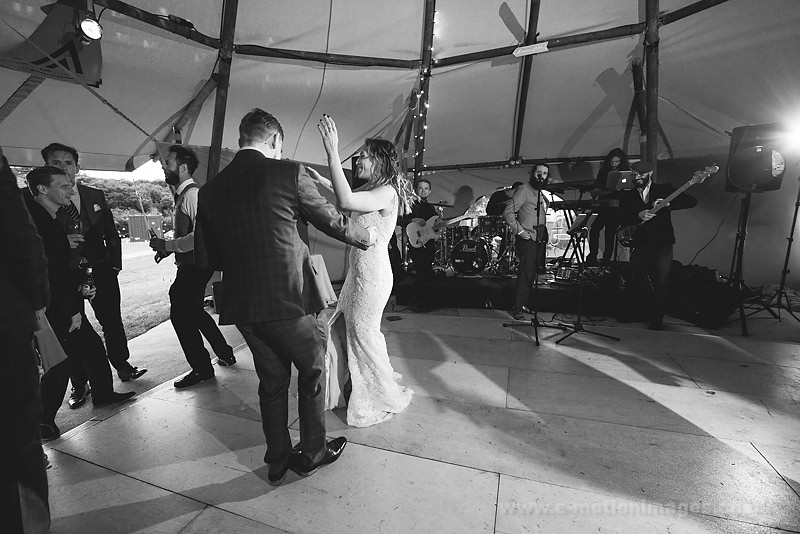 Sarah_and_Matt_160618_418B&W_web_res.JPG