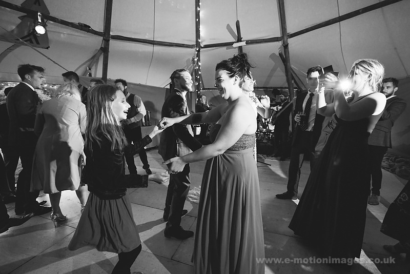 Sarah_and_Matt_160618_423B&W_web_res.JPG