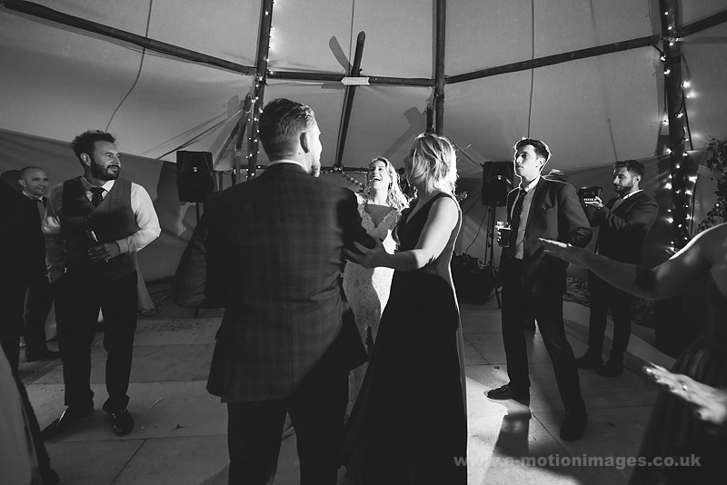 Sarah_and_Matt_160618_424B&W_web_res.JPG