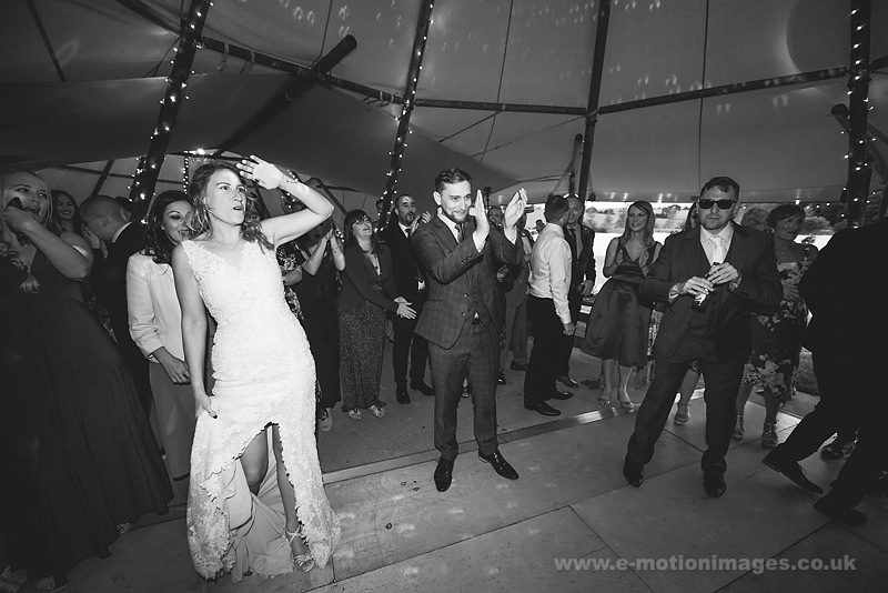 Sarah_and_Matt_160618_443B&W_web_res.JPG
