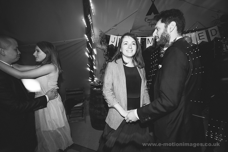 Sarah_and_Matt_160618_466B&W_web_res.JPG