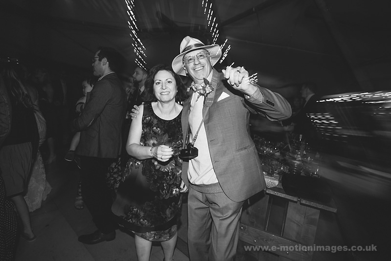 Sarah_and_Matt_160618_472B&W_web_res.JPG