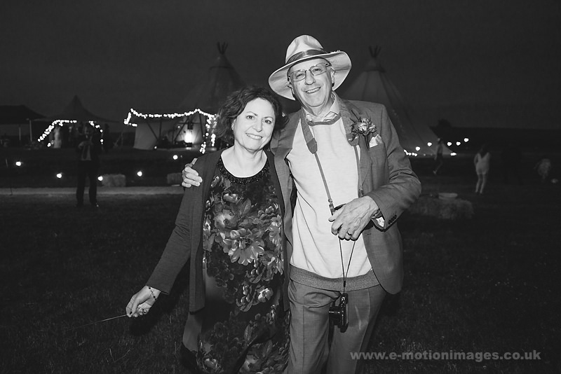 Sarah_and_Matt_160618_513B&W_web_res.JPG