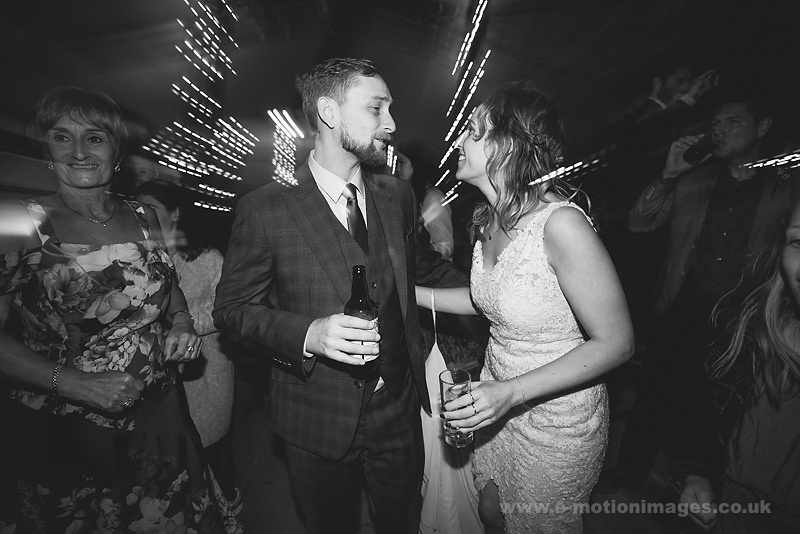 Sarah_and_Matt_160618_543B&W_web_res.JPG