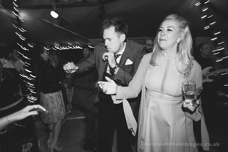 Sarah_and_Matt_160618_550B&W_web_res.JPG