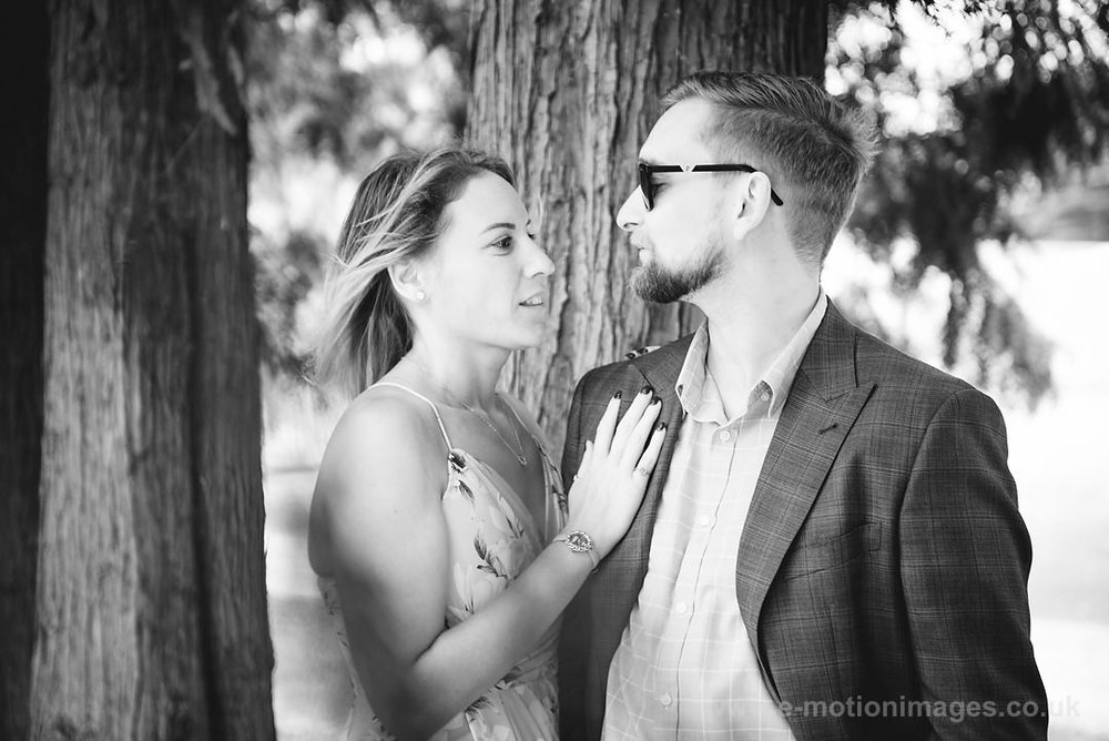 Sarah_and_Matt_140618_051B&W_web_res.JPG