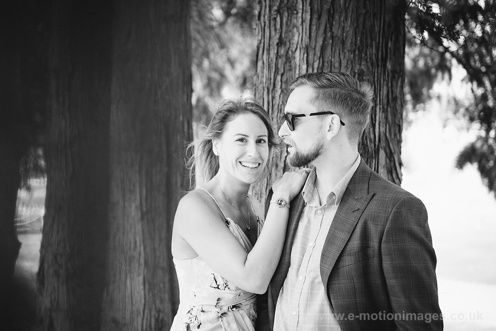 Sarah_and_Matt_140618_054B&W_web_res.JPG
