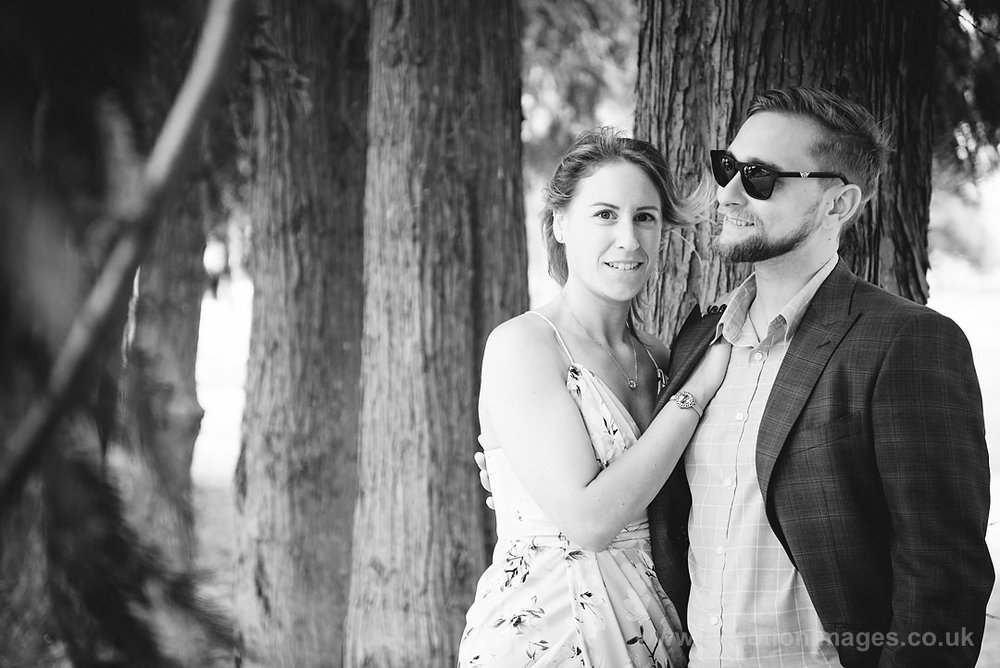 Sarah_and_Matt_140618_059B&W_web_res.JPG