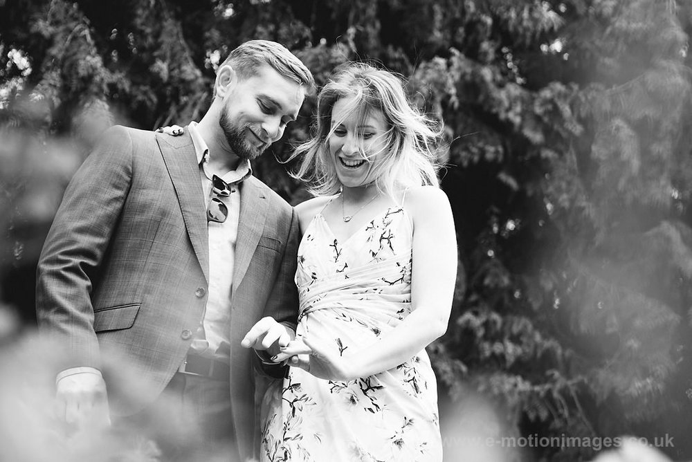 Sarah_and_Matt_140618_063B&W_web_res.JPG