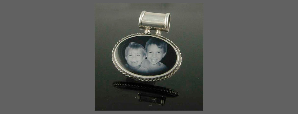 CHM-006 Horizontal Oval photo Pendant