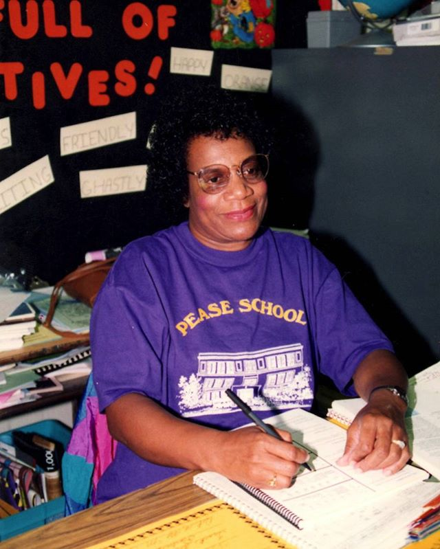 It's that time of the year again! Back-to-School is in full swing. To celebrate, here's one of our favorite clients - Ms. Olyvia Green, the first Black teacher at Pease Elementary School in Austin, TX. #savefamilyphotos #mystoryhouse #backtoschool #teacher