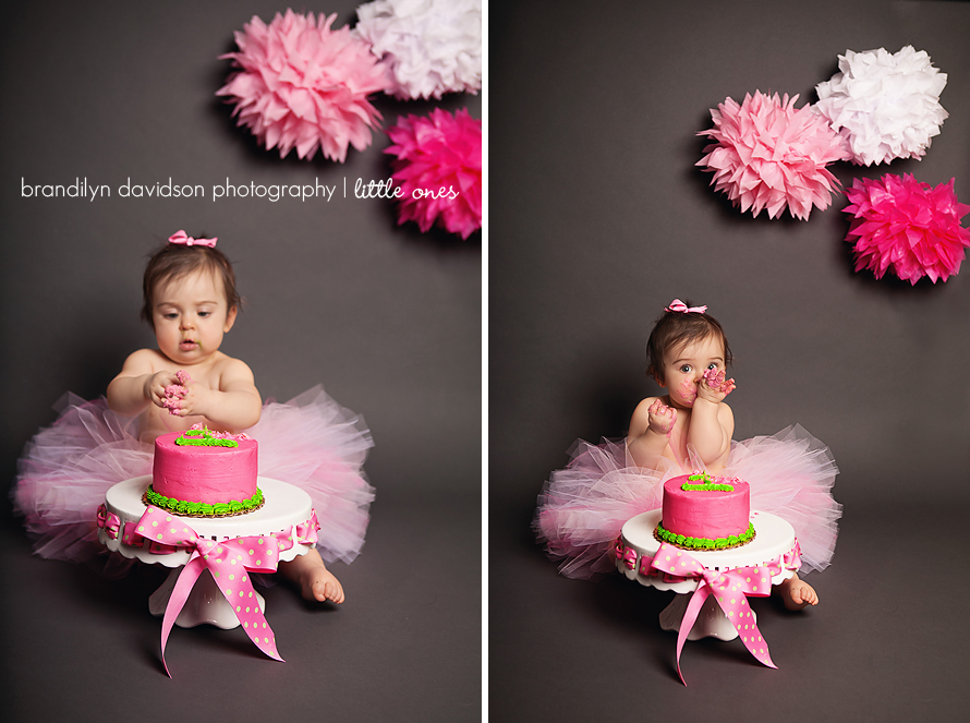 callie-tasting-1st-birthday-cake-in-kingsport-tn-by-photographer-brandilyn-davidson-photography.jpg