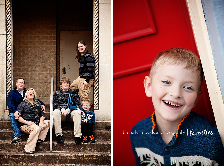 hayworth-family-and-parker-laughing-in-kingsport-tn-by-photographer-brandilyn-davidson-photography.jpg
