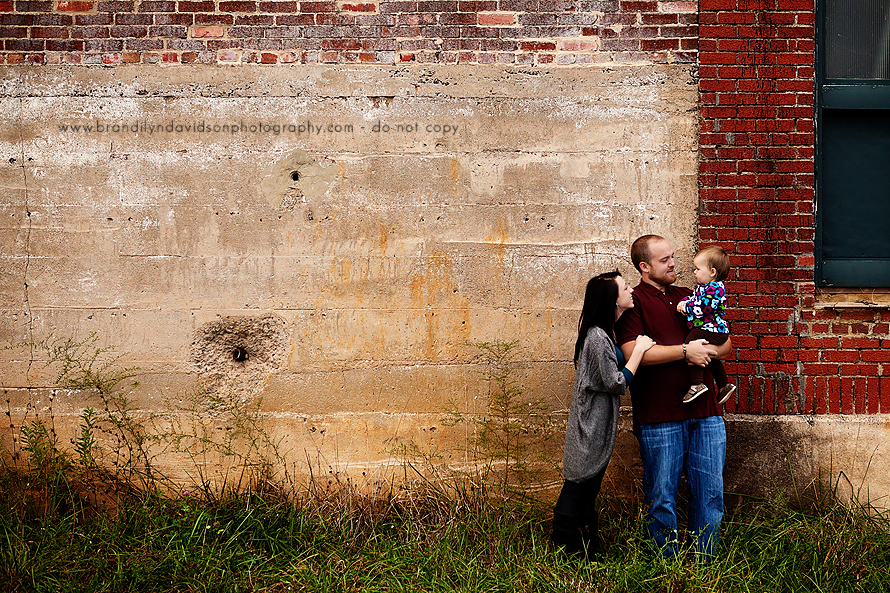 stacie-and-her-family-in-downtown-johnson-city-tn-by-photographer-brandilyn-davidson.jpg