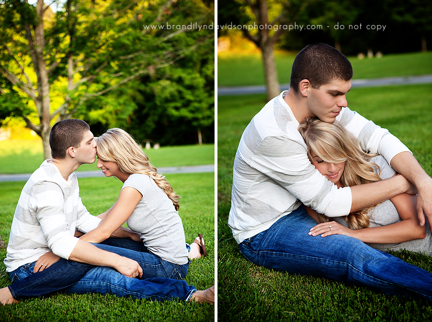 brian-and-liz-kissing-in-jeans-in-johnson-city-tn-by-photographer-brandilyn-davidson.jpg
