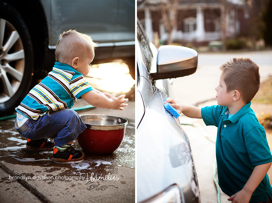 Robbie-and-Lucas-washing-the-car-in-Greenville,-SC-by-photographer-brandilyn-davidson-photography.jpg