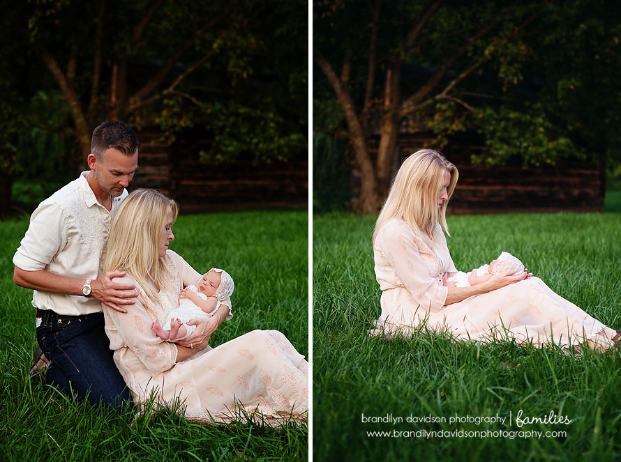 deweese-couple-holding-harlow-on-8.27.13-by-photographer-brandilyn-davidson-photography.jpg