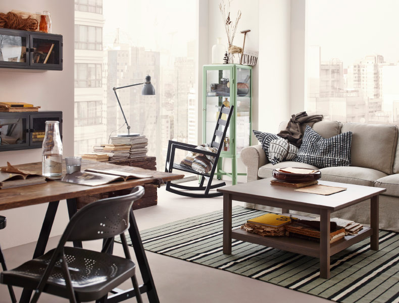 Ikea is wooing me (as always) with their fab small space solutions. I love the look of those glass door, wall mounted shelves and the industrial feel of the mint green hutch. The wood and metal accents feel almost country cozy, with just enough edge to make it in Manhattan.