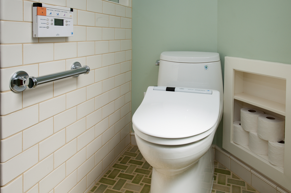 Berkeley Traditional Universal Bathroom