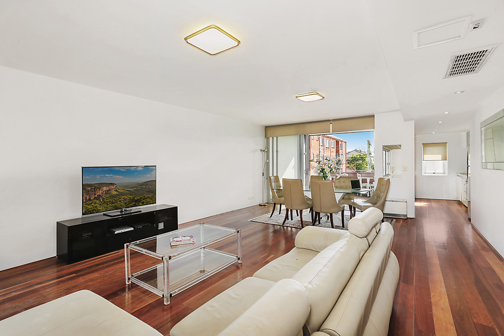 SOLD 17/2-16 Towns Rd Rose BayStylish Easy Living And Alfresco Entertaining In Boutique Apartment. -