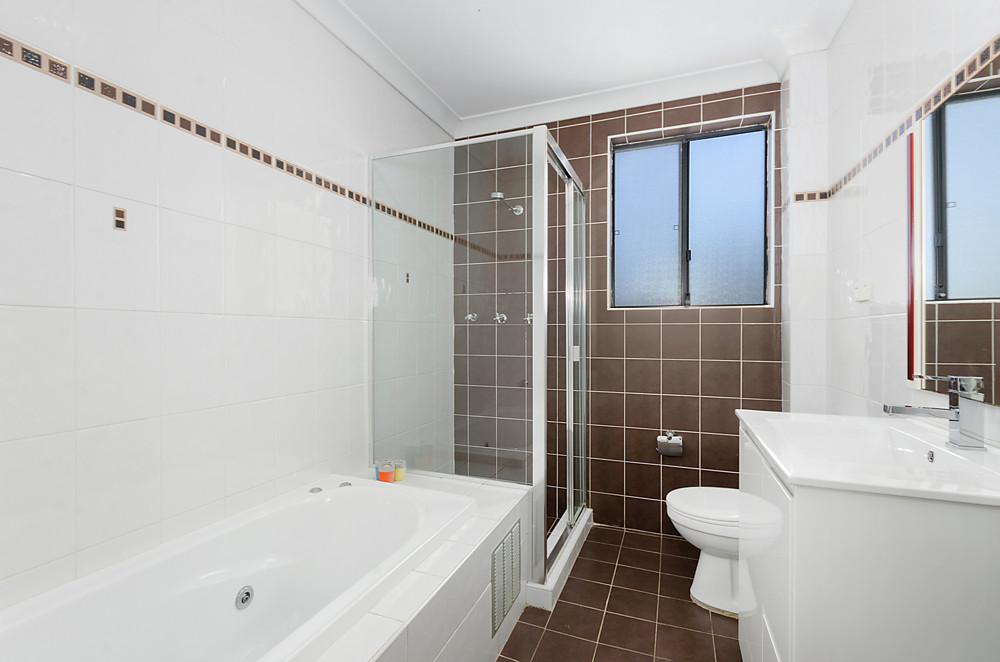 BathroomWebRes31332962.jpg