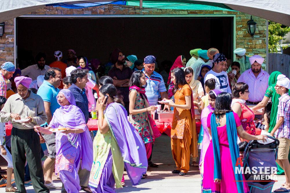 Surrey Nagar Kirtan Miri Piri 2013-0751.jpg
