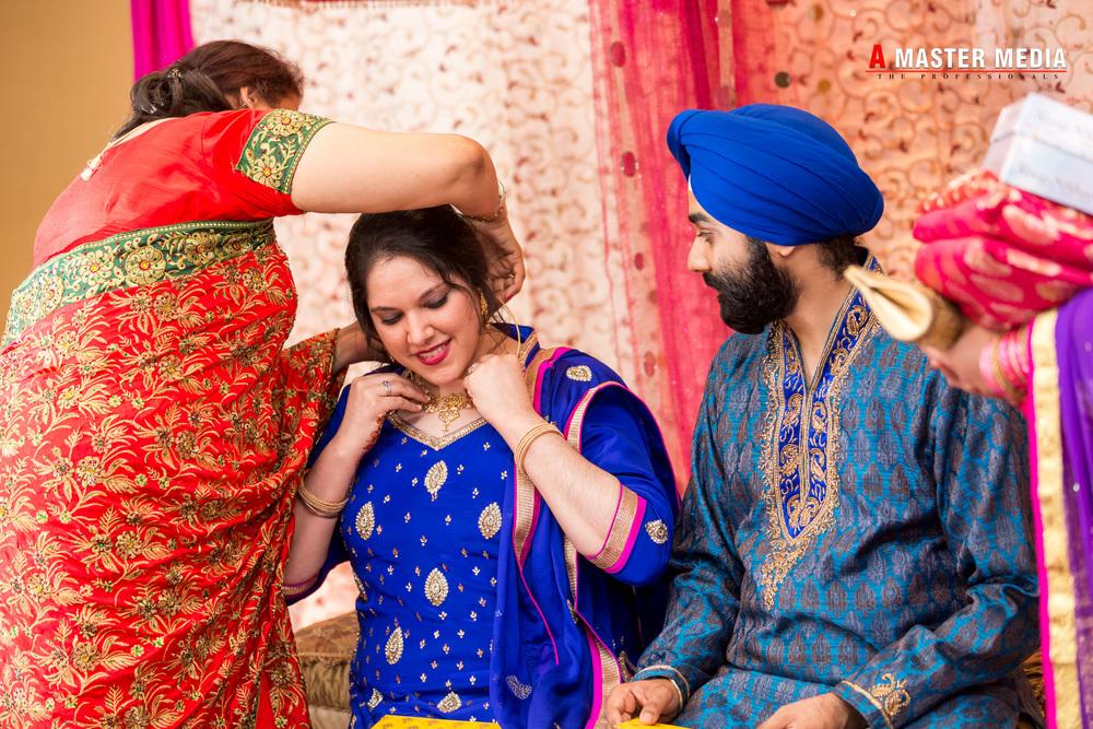 Tegdeep + Bhani Mehndi-3943.jpg