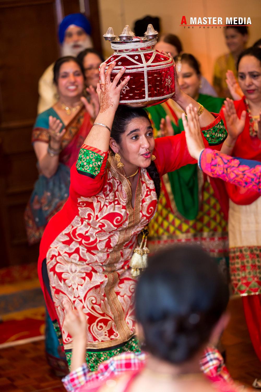 Tegdeep + Bhani Mehndi-4249.jpg