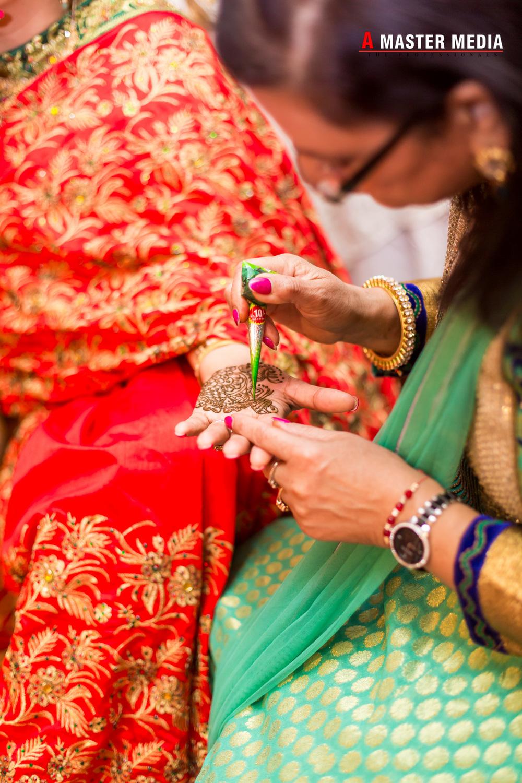 Tegdeep + Bhani Mehndi-4336.jpg