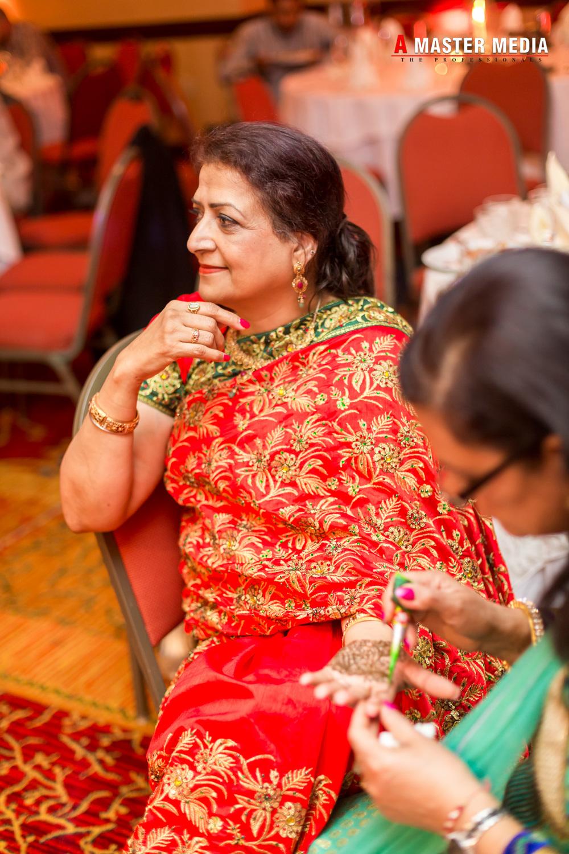 Tegdeep + Bhani Mehndi-4337.jpg