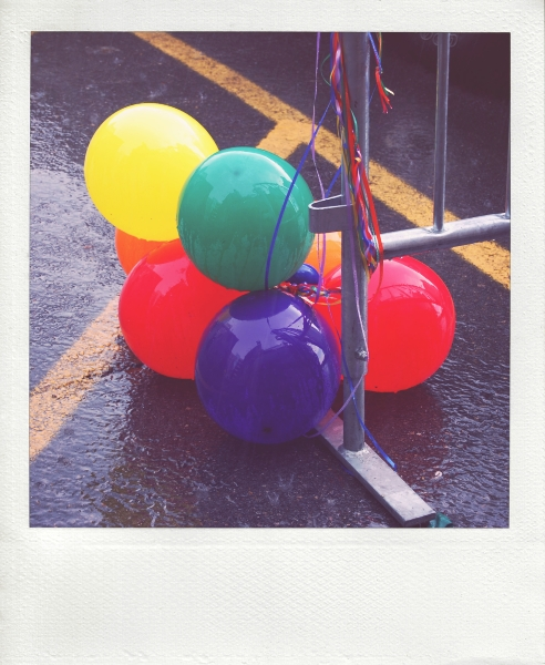 rainbaloons-pola_effected.jpg
