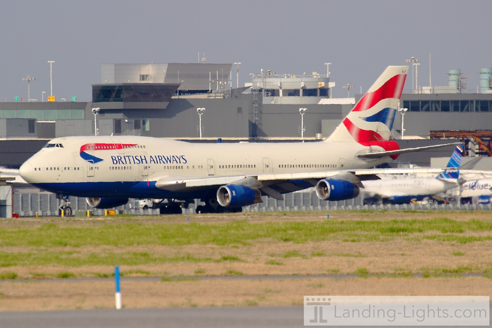 BA 747 Taxiing Out