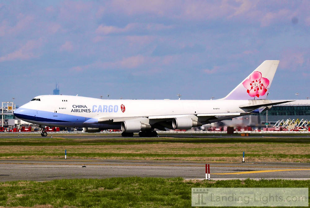 And a Nice Newer 747-400
