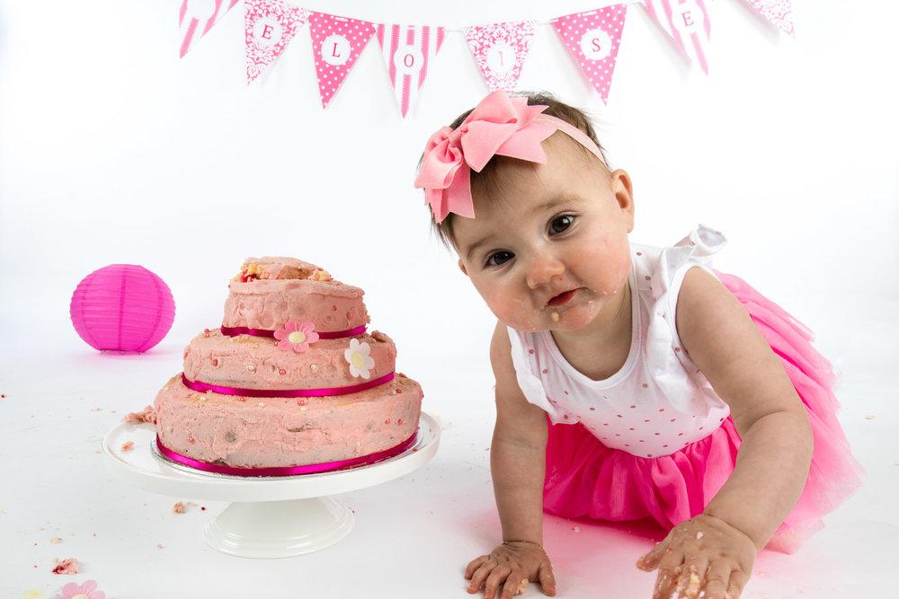 Eloise Cake Smash 2017 (10).jpg
