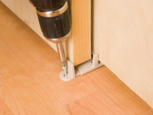 Install Floor Guides