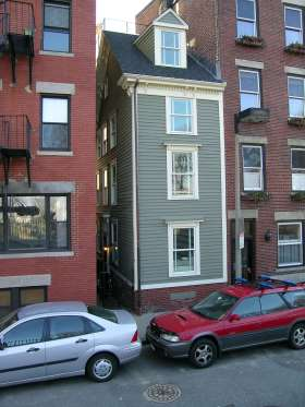 THE SKINNY HOUSE IN BOSTON, MASSACHUSETTS, USA This aptly named home at 44 Hull Street in Boston's North End is the narrowest in the city, at only 10.4 feet at its widest point. Local legend has it that the house was built this way because of a brotherly feud — two brothers inherited the lot from their father. but one built a large home while the other was away at war, leaving him only a small patch of land.