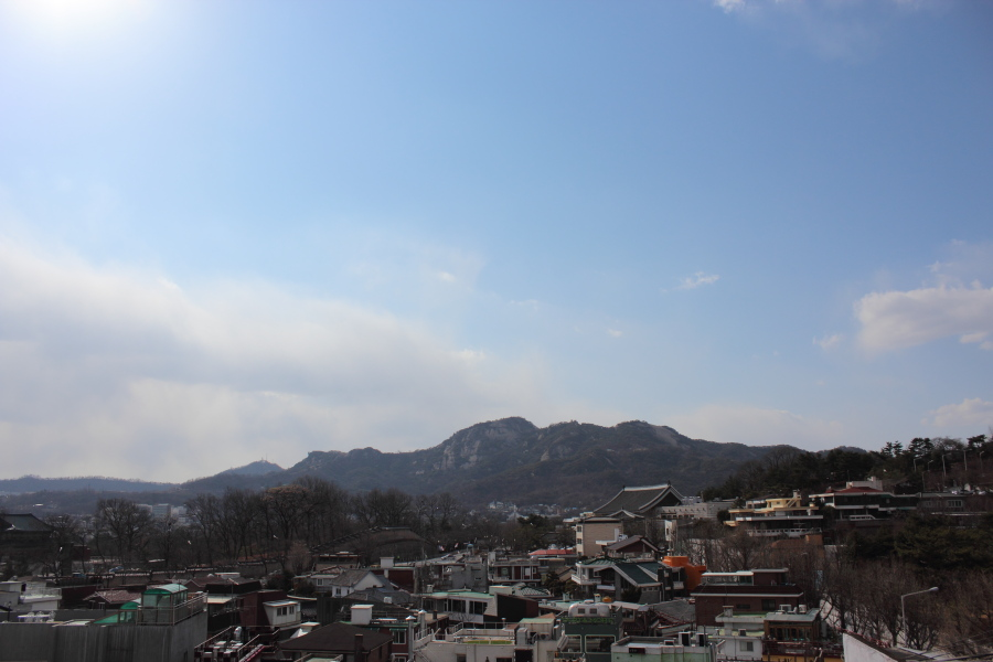 14Bukchon cityscape2.JPG.JPG