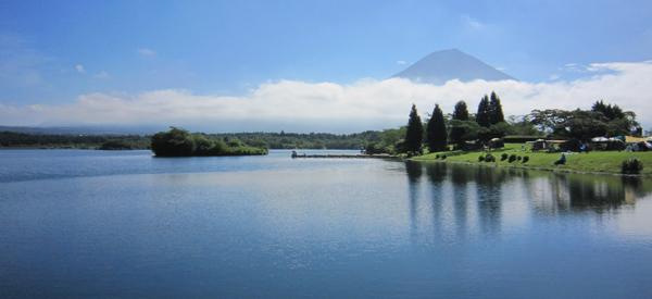 Lake view of Mt. Fuji