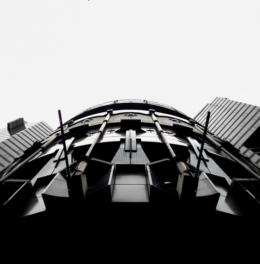 Tokyo-Darth-Vader-Building.jpg