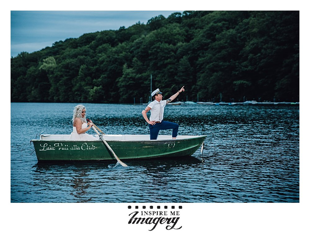 We thought this would be the shot of the day, the bride and groomswoman in a little row boat, the awesome pose. You can't beat it. Well, we were wrong.