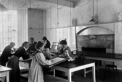 Still life class in the Mackintosh Room, c.1910.